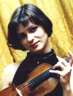 Елена Чверток, скрипка