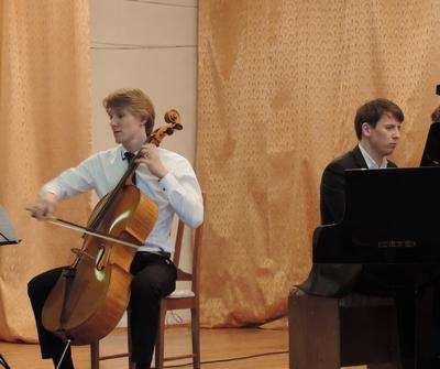 Николай Шугаев, виолончель